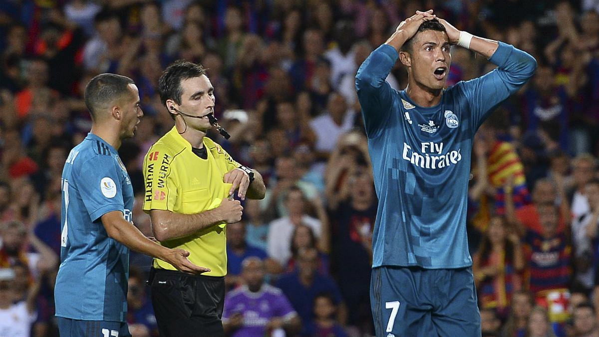 Cristiano, tras ser expulsado en el Camp Nou. (AFP)