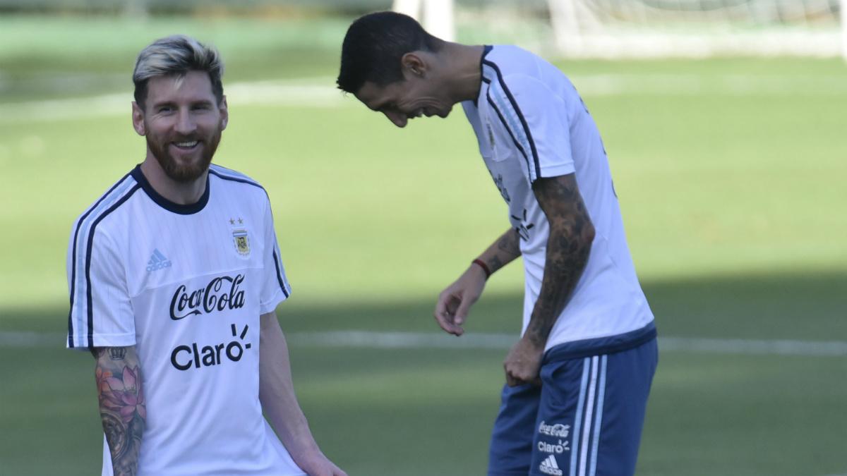 Messi tiene claro que quiere a Di María de culé. (AFP)