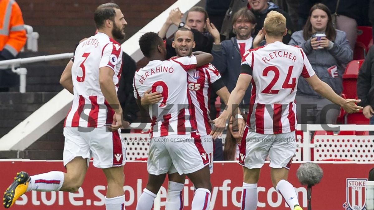 Jesé Rodríguez celebra su primer gol con el Stoke. (Twitter)