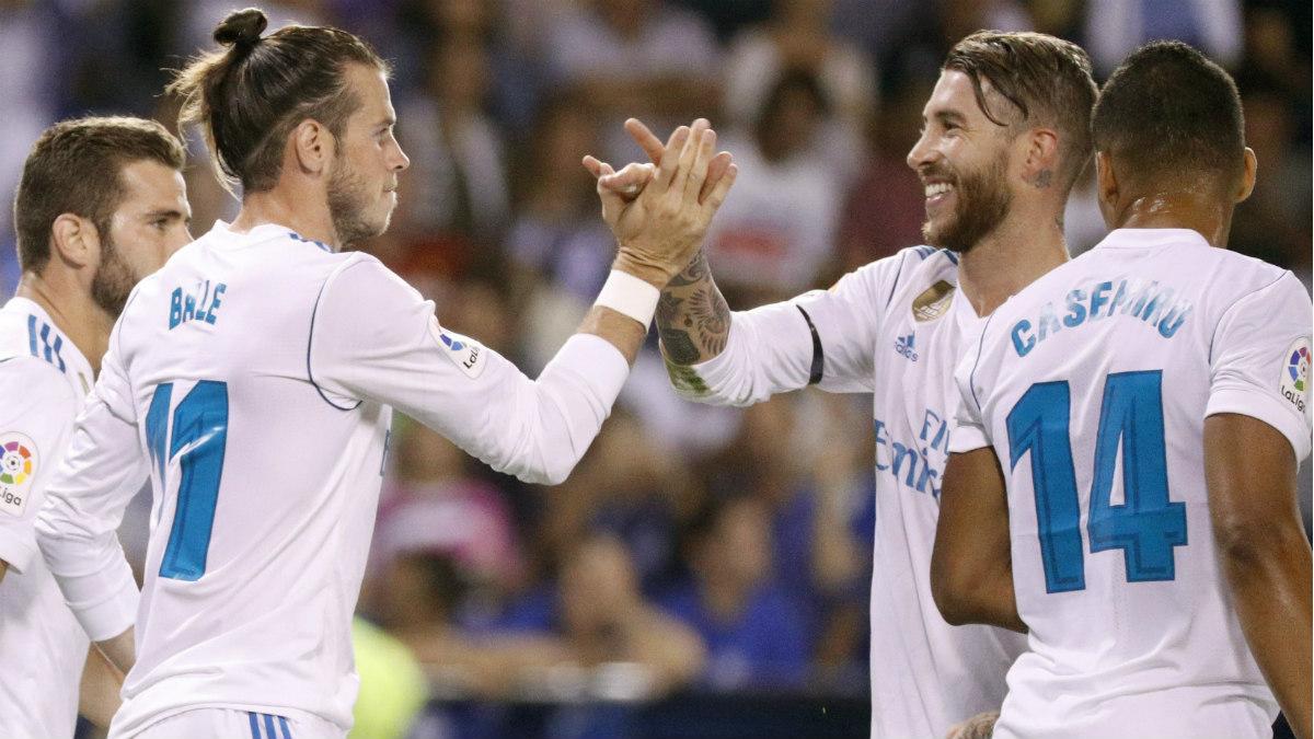 Bale y Ramos celebran el 0-1 en Riazor. (EFE)