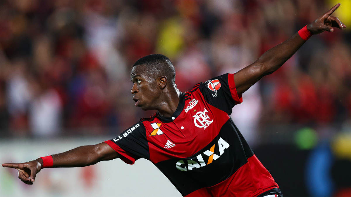 Vinicius Jr. celebra un gol con el Flamengo. (Getty)