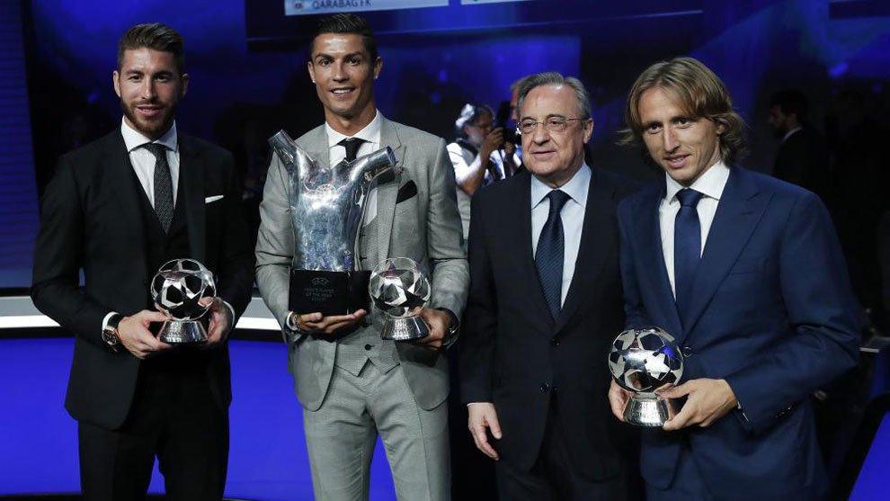 Ramos, Cristiano y Modric, junto a Florentino Pérez.