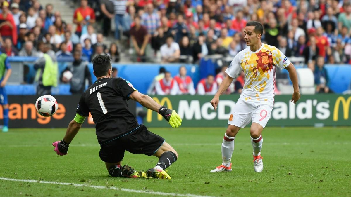 Lucas Vázquez, en un partido con España. (Getty)