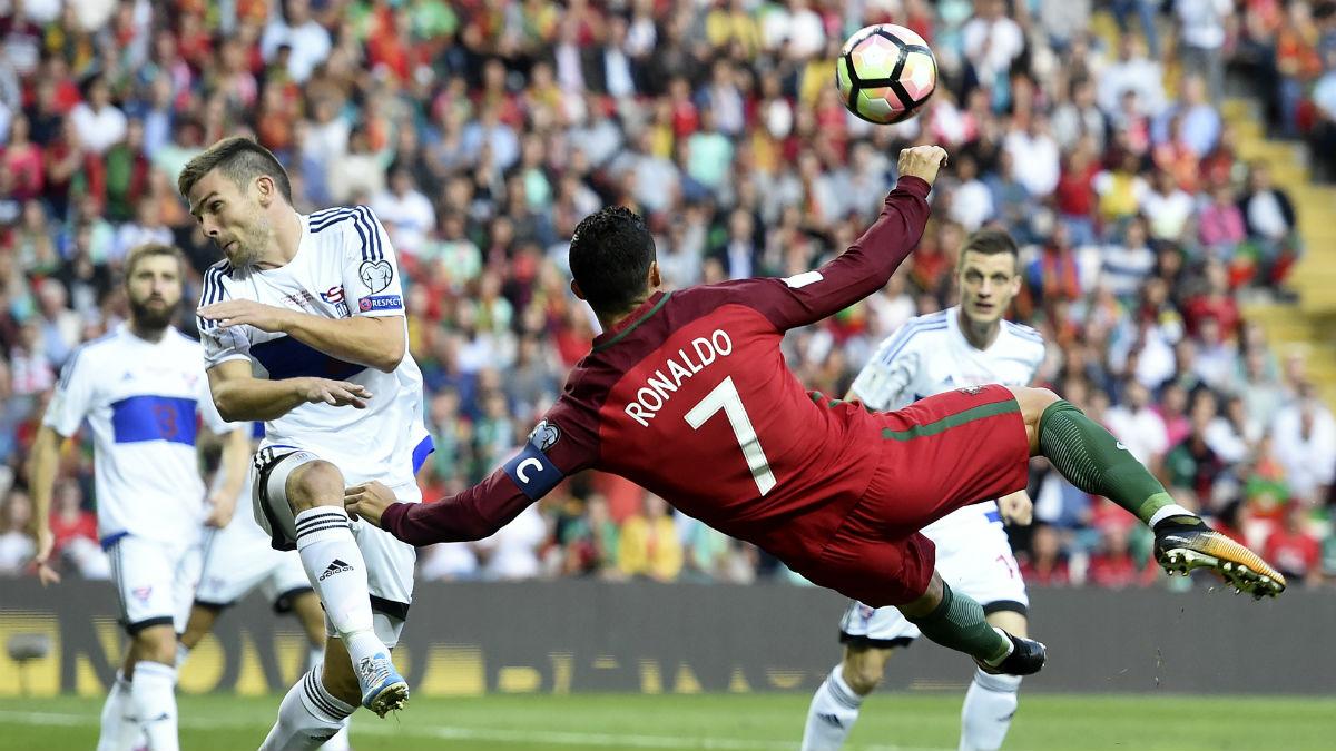 Cristiano Ronaldo ejecuta la chilena a la perfección.