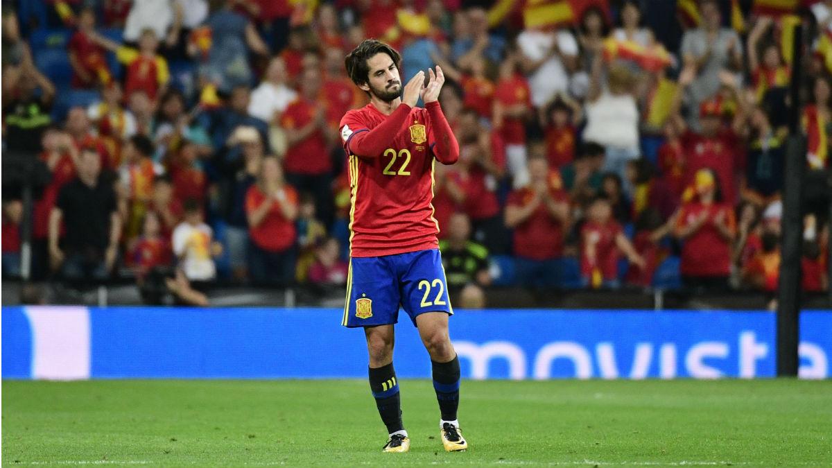Isco agradeció al Bernabéu la ovación al ser sustituido (Getty).