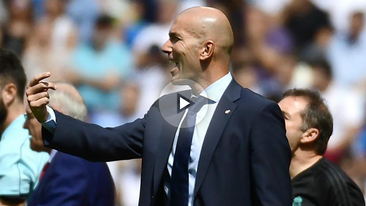 Zidane, durante un momento del partido. (AFP)