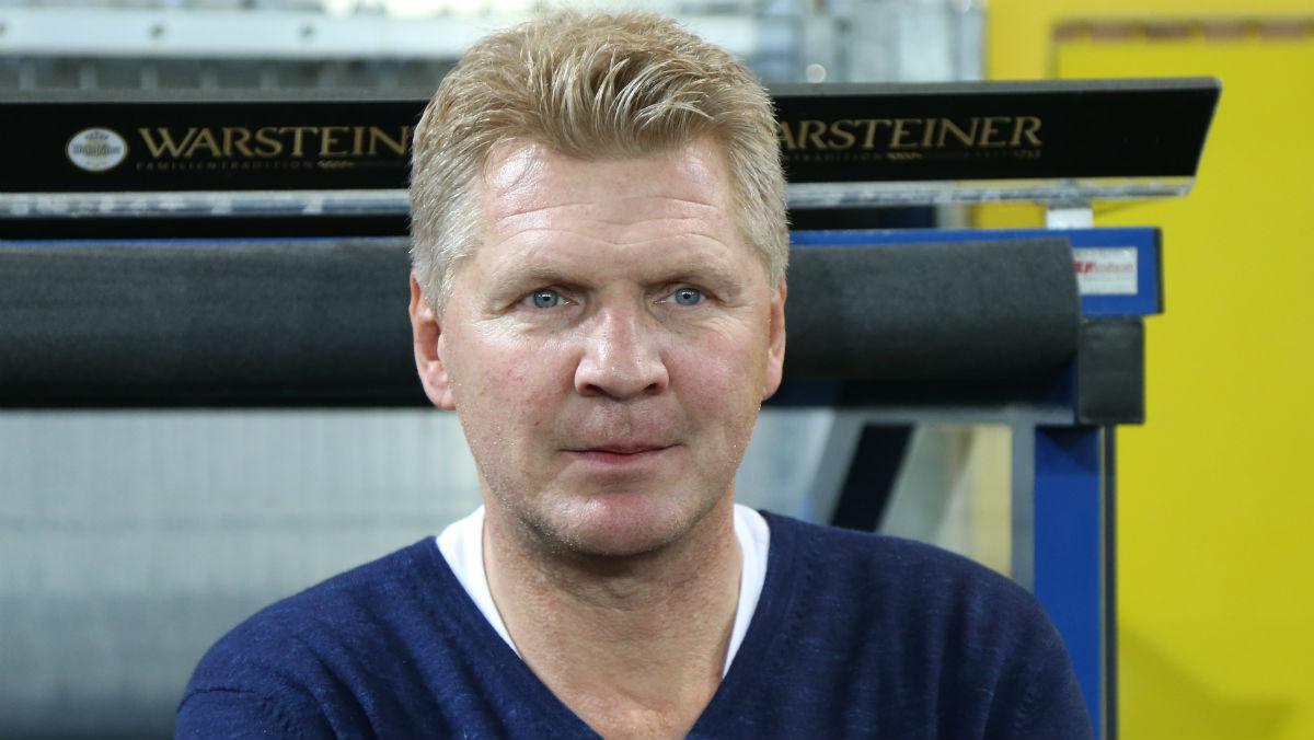 Effenberg durante su etapa como entrenador. (AFP)
