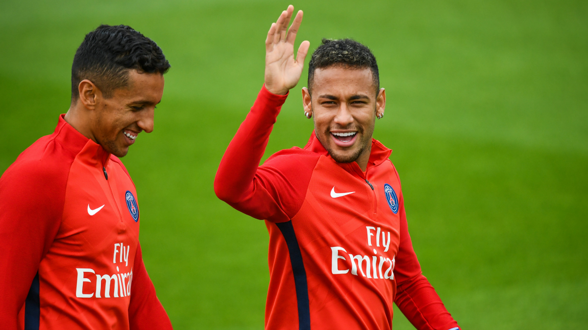 Marquinhos y Neymar durante un entrenamiento del PSG. (AFP)