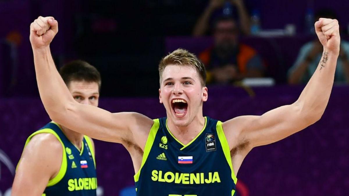 Luka Doncic celebra el pase a la final de Eslovenia tras derrotar a España (Getty).