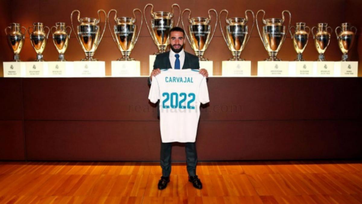 Danio Carvajal, en el acto de renovación con el Real Madrid (Realmadrid.com)