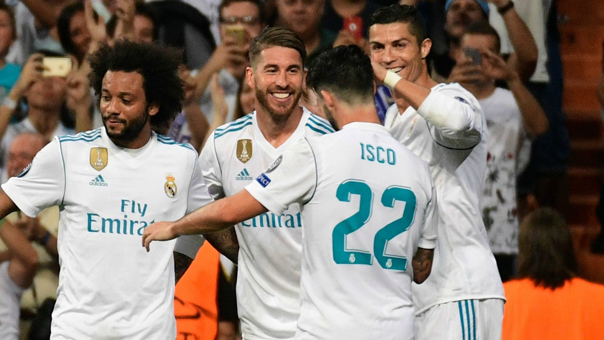 Los jugadores del Real Madrid celebran uno de los goles al APOEL. (Getty Images)