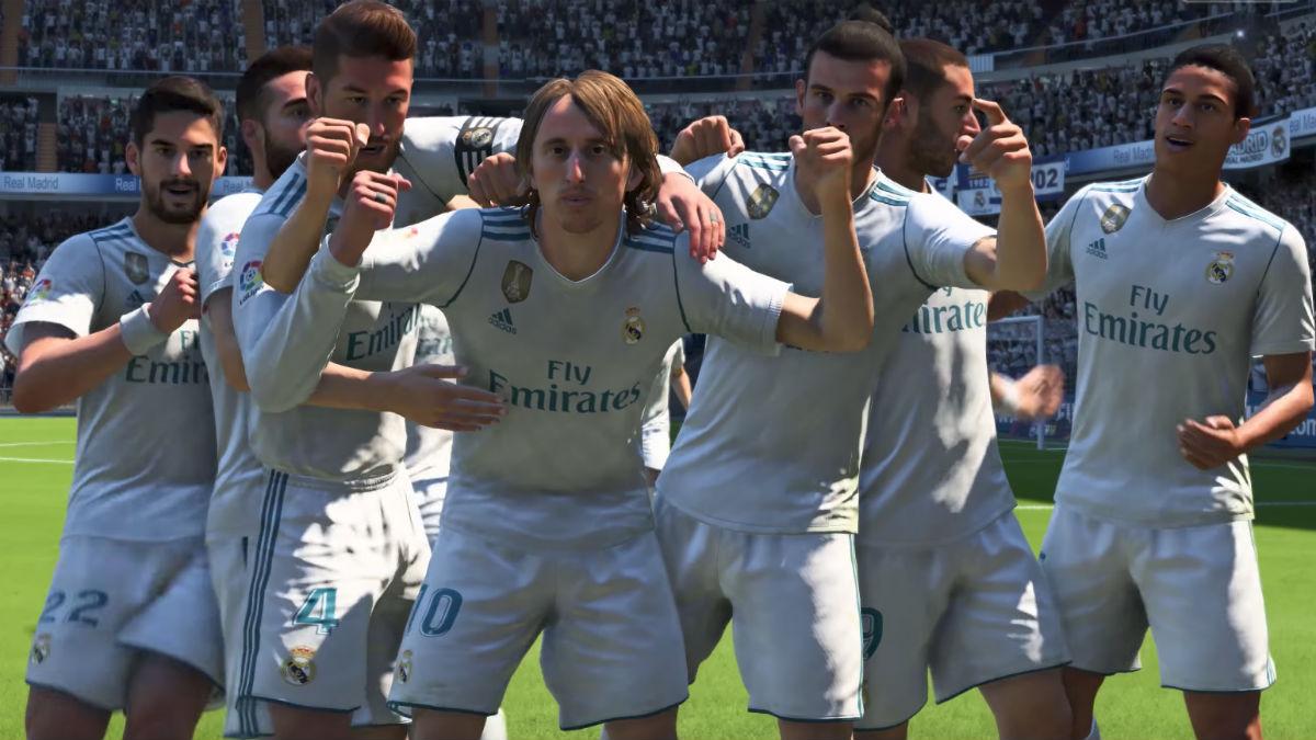 Los jugadores del Real Madrid celebran un gol en FIFA 18.