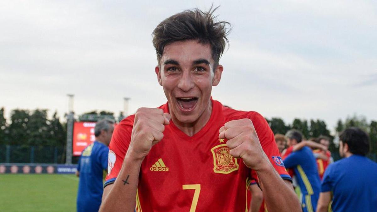Ferrán Torres es una de las joyas de la selección sub-17. Real Madrid y Barcelona se pegan por él.