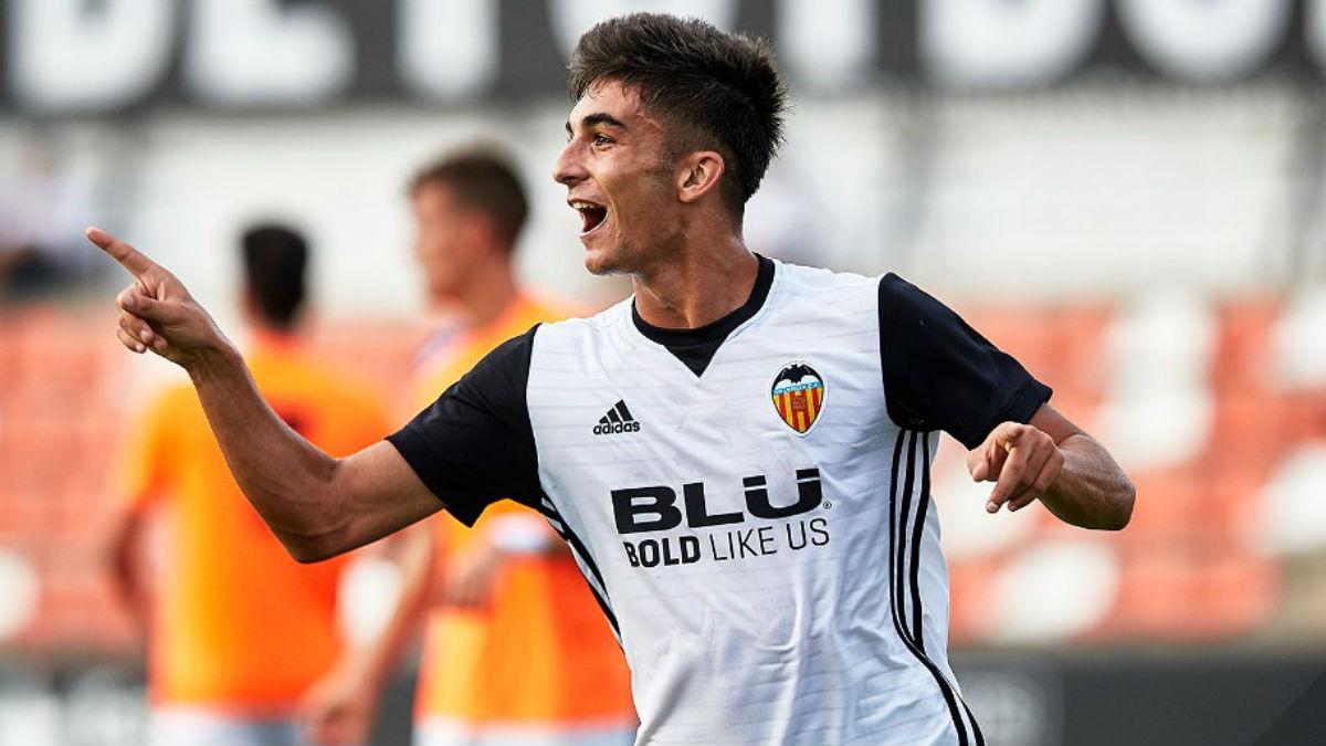 Ferrán Torres celebra un gol con el Mestalla. (valenciacf.com)