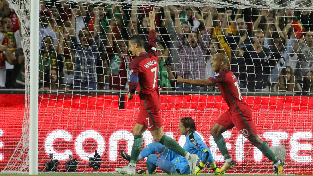 Cristiano Ronaldo celebra el primer gol de Portugal ante Suiza. (AFP)