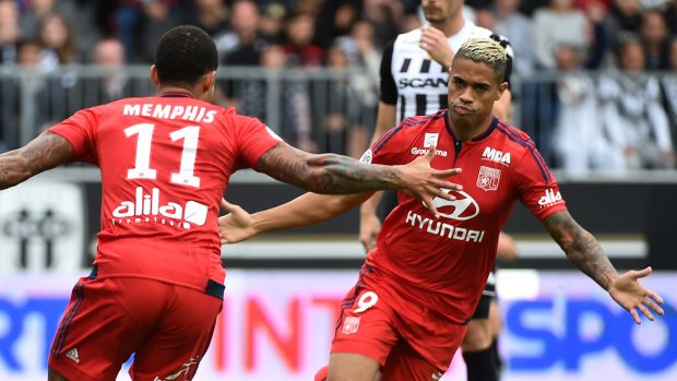 Mariano, celebrando un gol con el Olympique de Lyon (AFP).