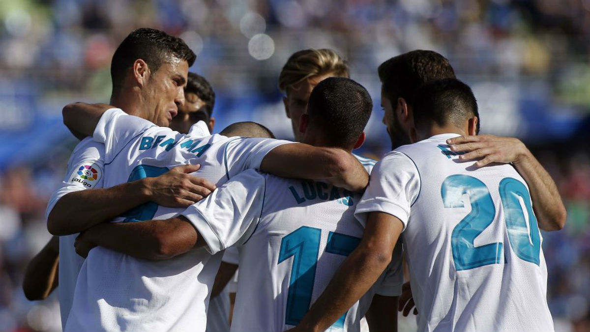 Los jugadores celebran el gol de Benzema en Getafe (Getty).