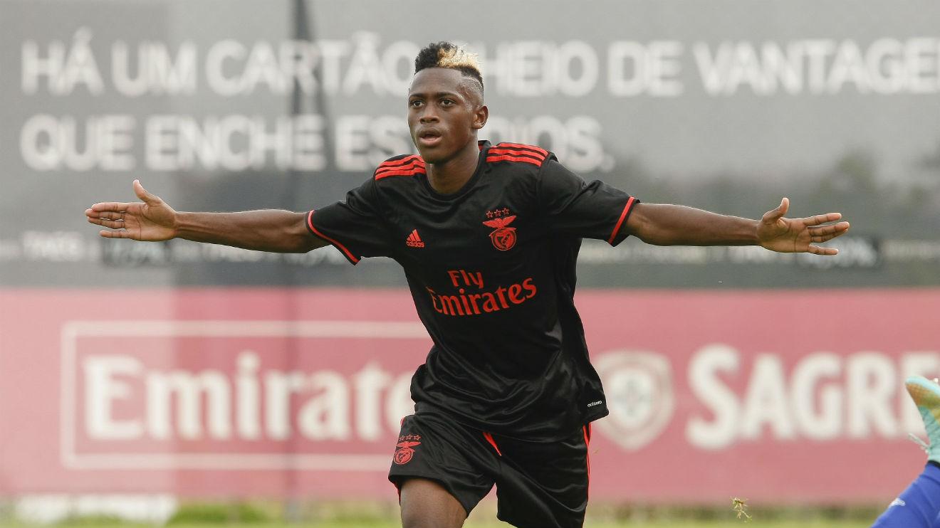 Embalo, celebrando un gol con el Benfica.