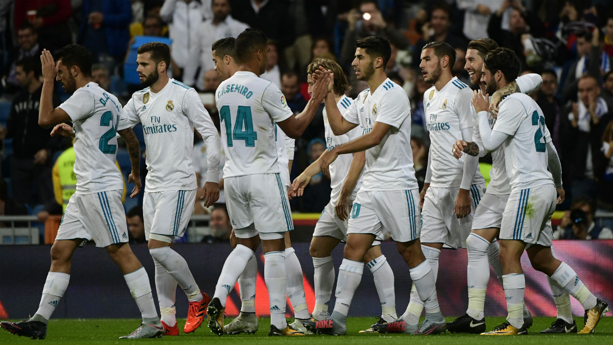 Los futbolistas del Real Madrid celebran un tanto al Eibar. (AFP)