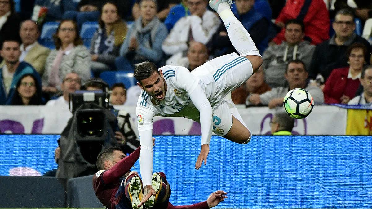 Theo Hernández, en el partido contra el Eibar. (AFP)