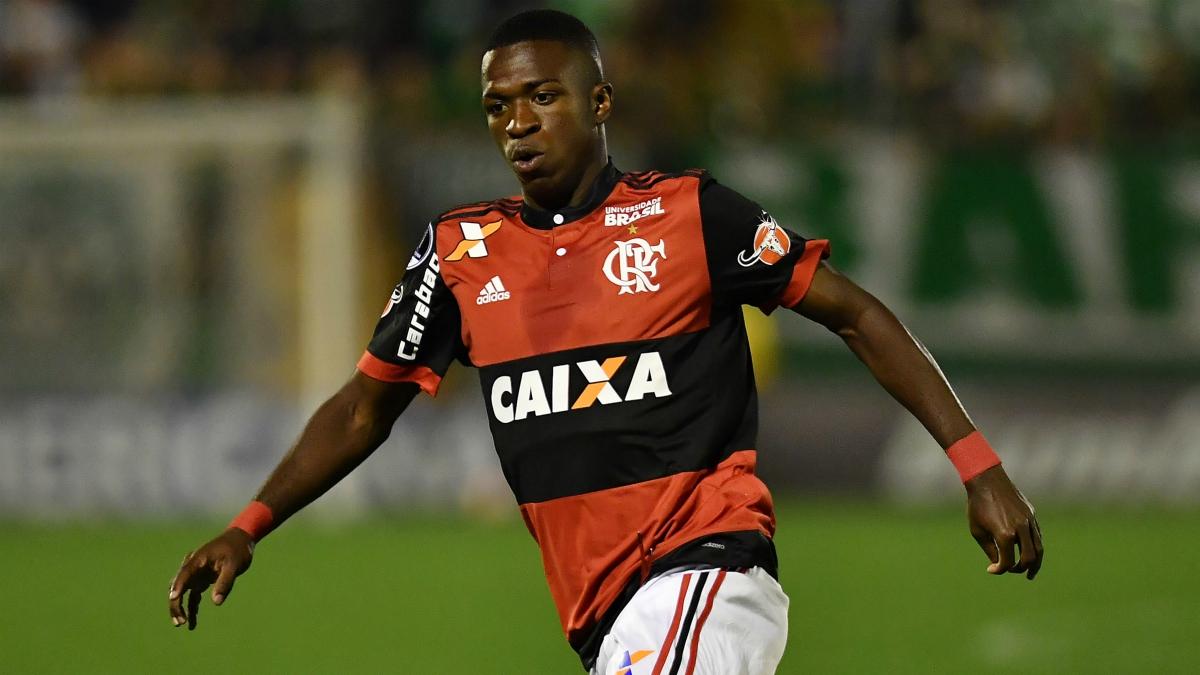 Vinicius durante un partido con el Flamengo. (AFP)