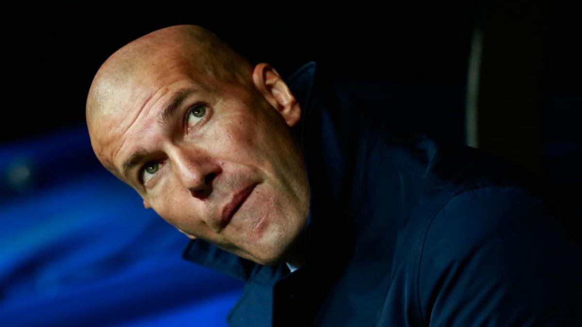 Zidane, durante el partido de Champions ante el Tottenham, en el Bernabéu. (Getty)