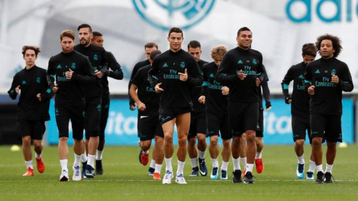 El Real Madrid durante el entrenamiento del jueves, en una foto publicada por Marcelo (Twitter).