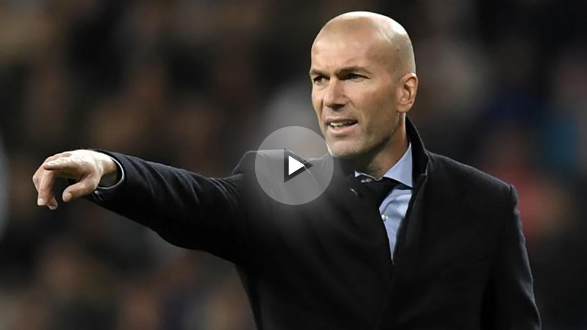 Zidane da órdenes en el partido contra Las Palmas. (EFP)