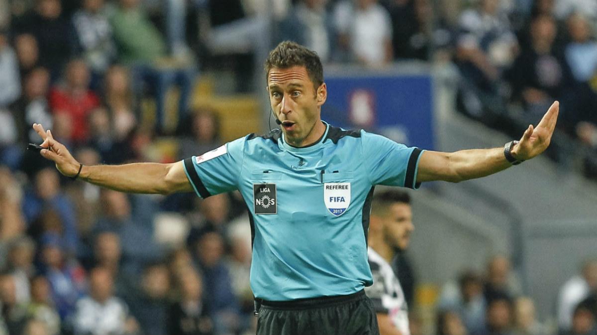 El árbitro Artur Dias tiene cartel de polémico en Portugal.