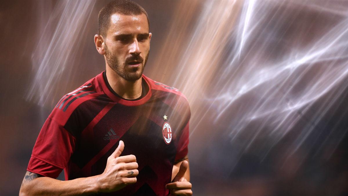Bonucci durante un partido con el Milan. (AFP)