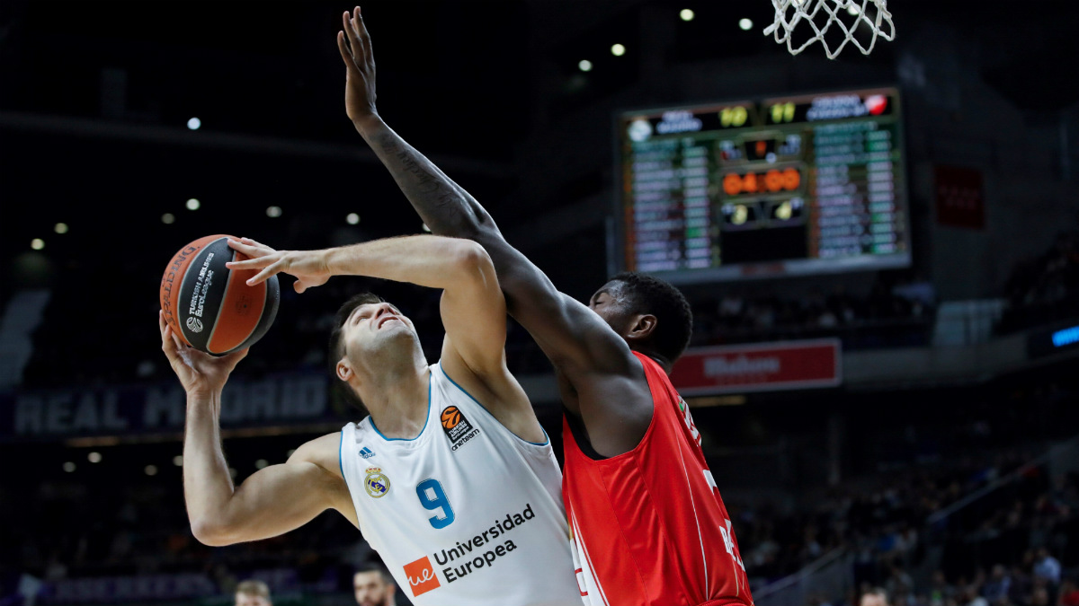 El Real Madrid no pudo con el colista de la Euroliga en casa. (EFE)