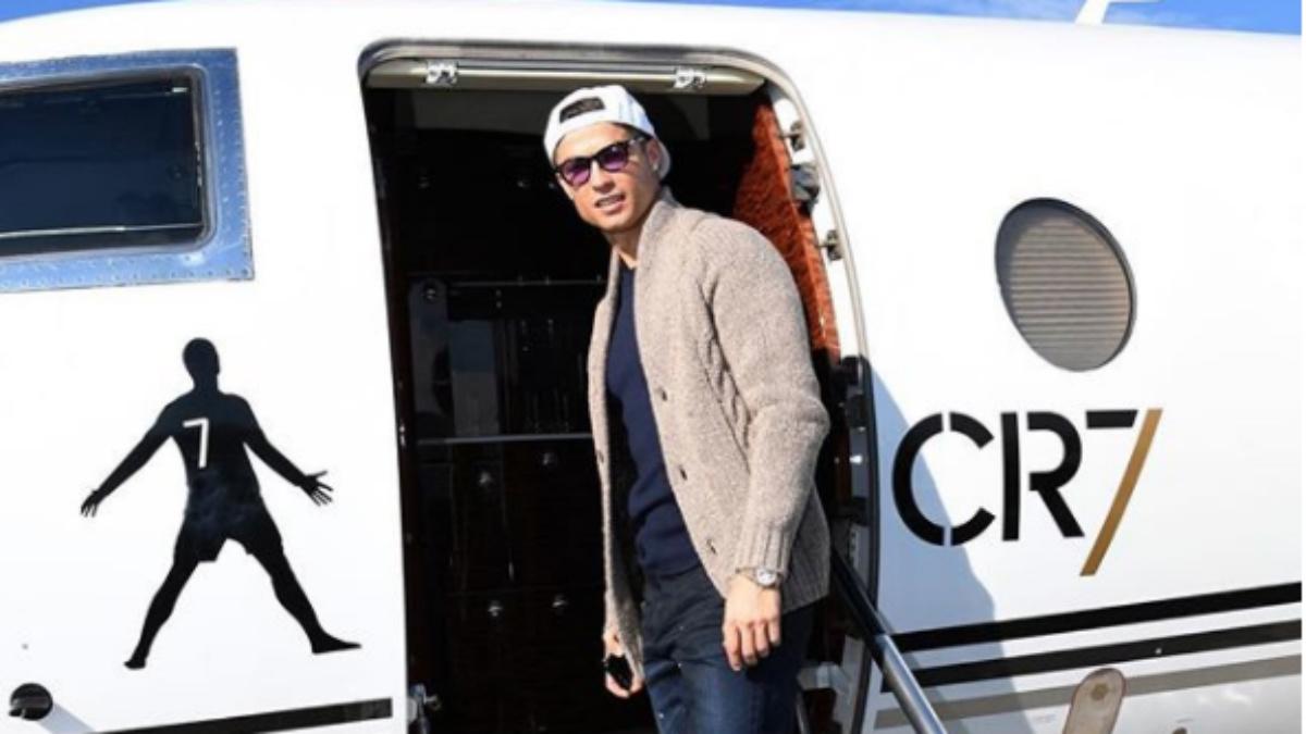 Cristiano Ronaldo viajando en su avión privado. (Instagram)