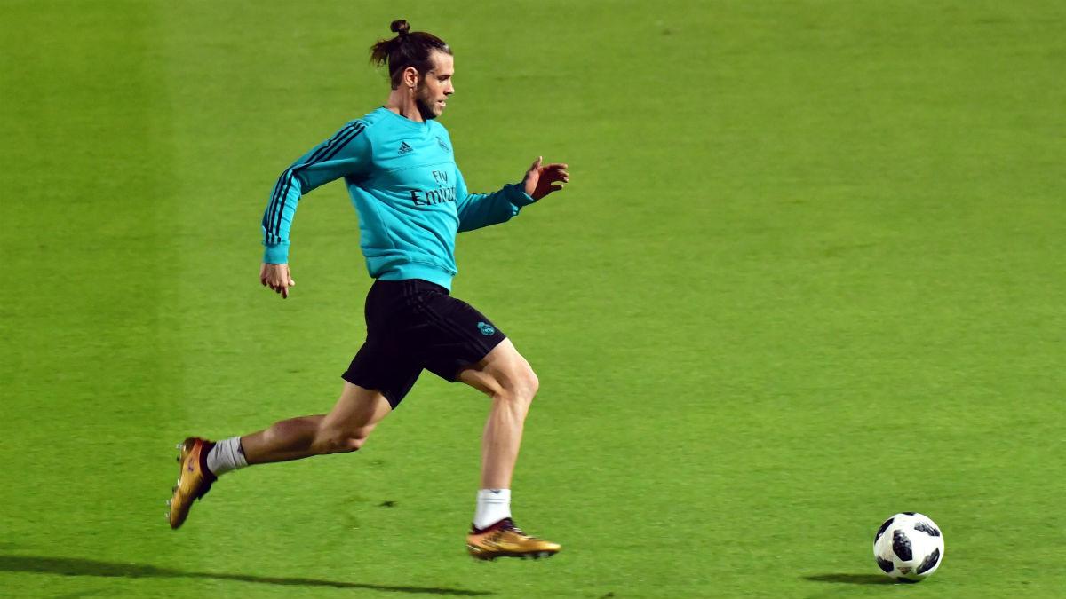 Bale, en un entrenamiento en Abu Dabi. (AFP)