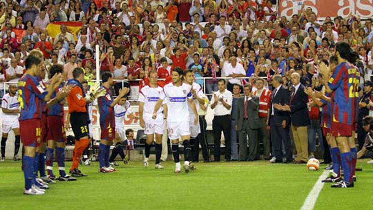 El Barça, haciendo el pasillo al Sevilla en 2006.