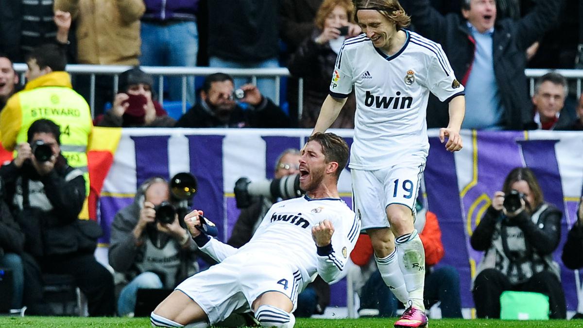 Sergio Ramos celebra su gol en el Clásico de 2013. (Getty)