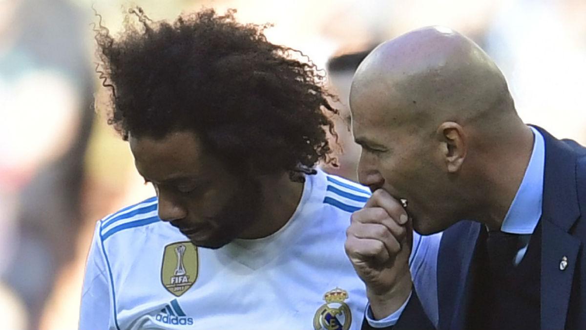 Marcelo y Zidane, en el Clásico. (AFP)