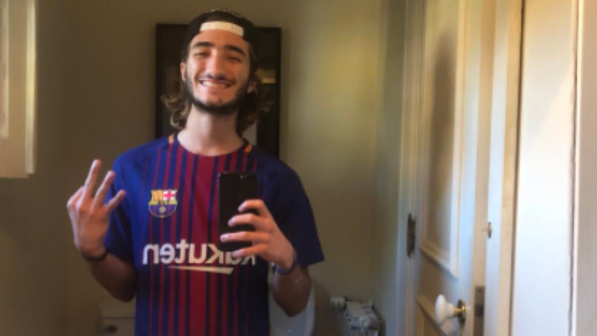 Así celebró la victoria del Barcelona el hijo de Mourinho. (AFP)