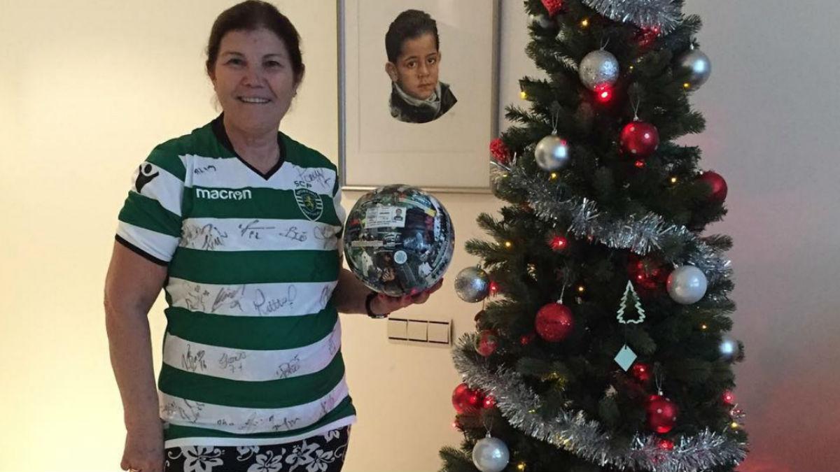 Dolores Aveiro con la camiseta del Sporting (Instagram)