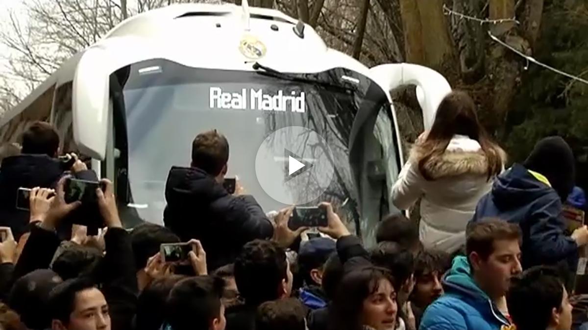 Los habitantes de Soria se volcaron con la llegada del Real Madrid a su ciudad.