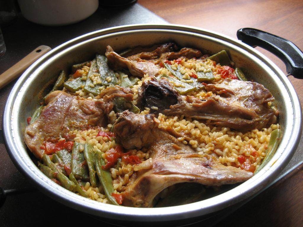 Arroz y conejo, plato típico murciano