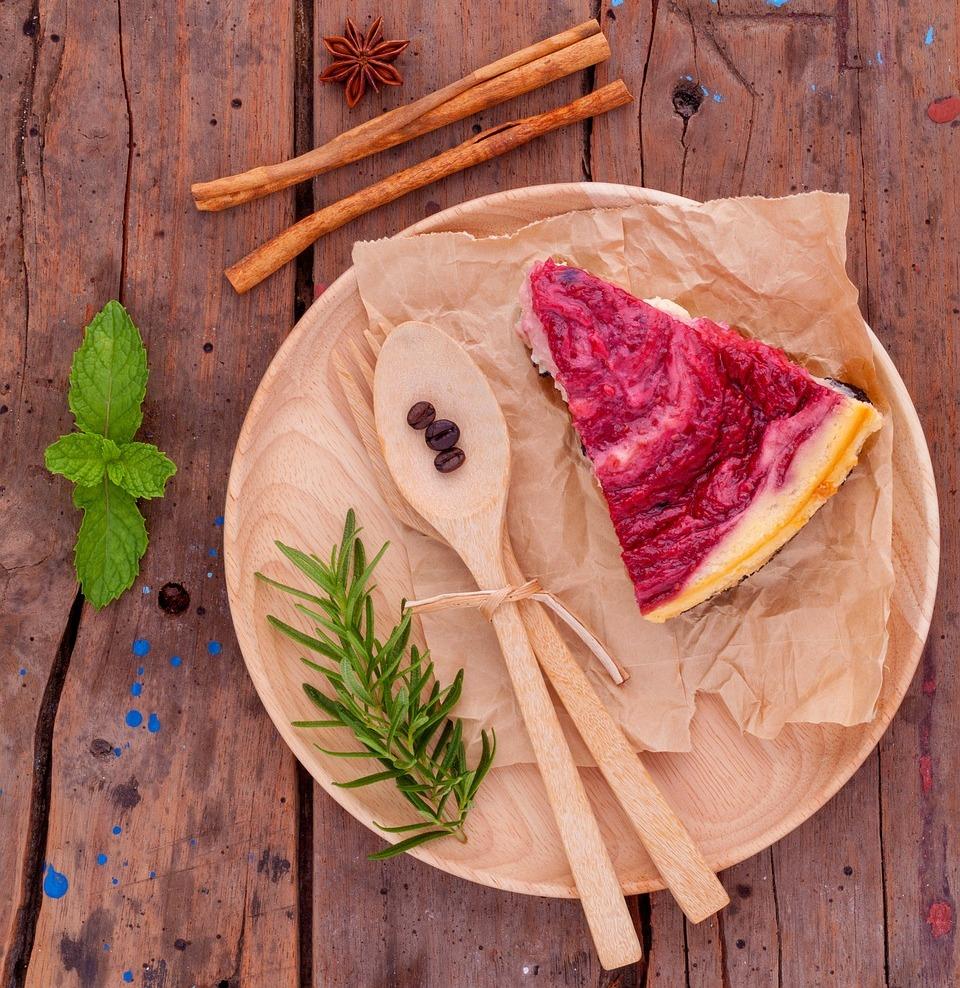 Tarta-de-masa-sablée-con-mermelada-de-ruibarbo-y-fresas1