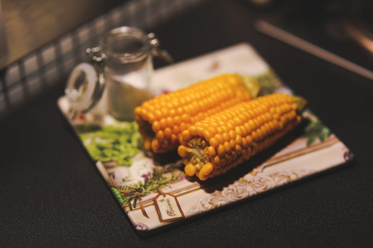 Mazorcas-de-maíz-con-mantequilla-de-wasabi1