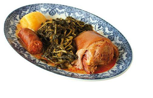 Recetas de cocina gallega, lacón con grelos