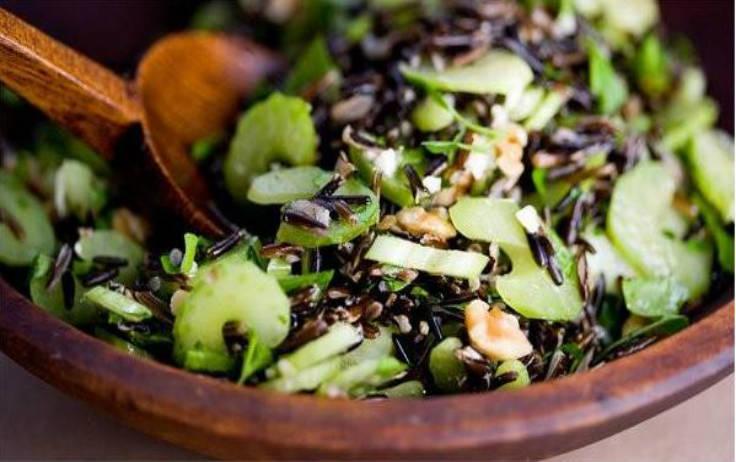 Ensalada de arroz salvaje con frutos secos 2