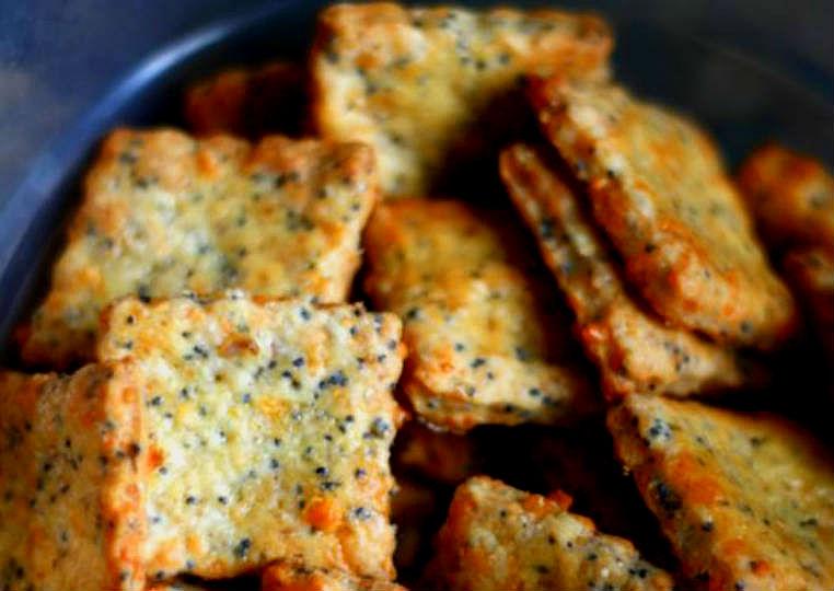 Galletas de queso y albahaca