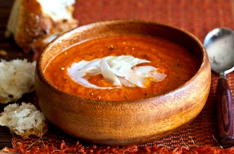 Sopa de tomates asados