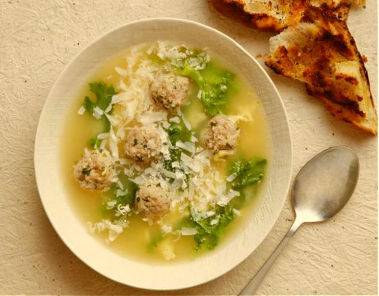Sopa de boda italiana