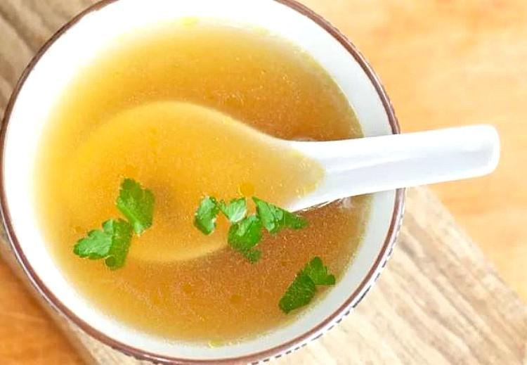 Sopa de legumbres casera