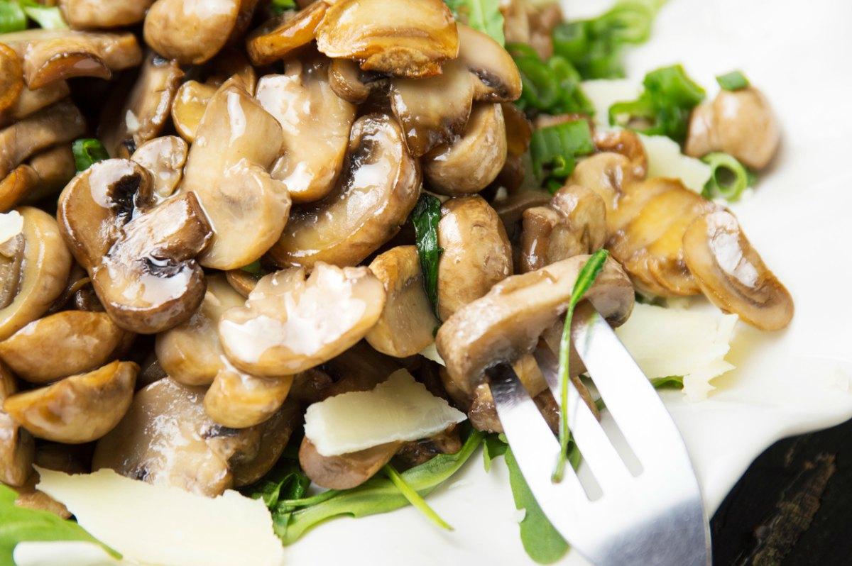 calorias de una pechuga de pollo a la plancha con ensalada