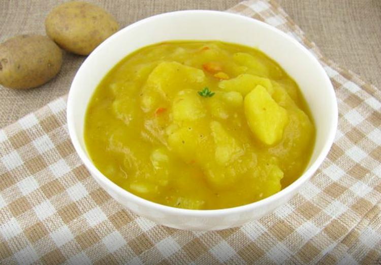 Receta de patatas en ajopollo tradicional de Almería